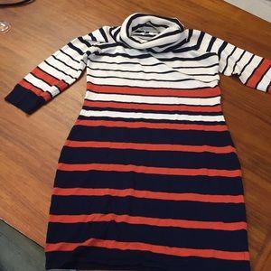 Sweater Dress. SIZE: L